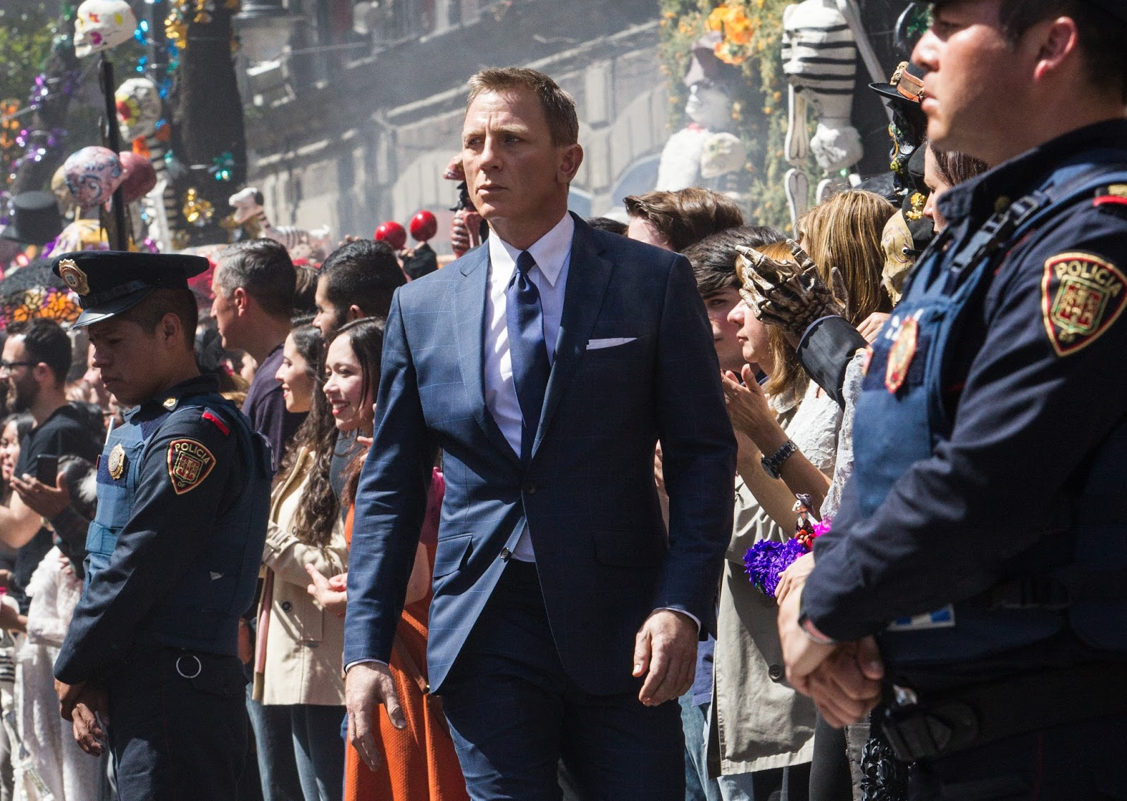 James Bond (Daniel Craig) in the midst of the Day of the Dead festival in Mexico City in Spectre (2015)