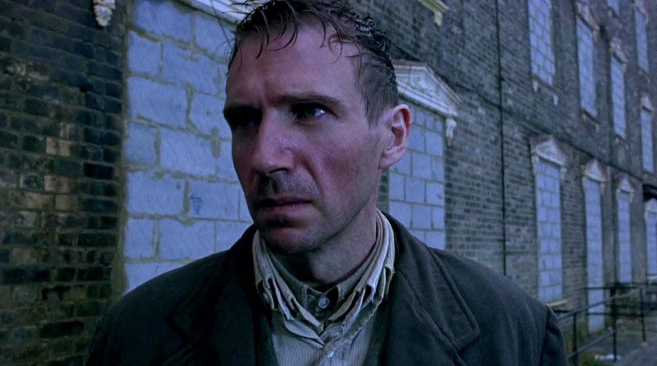 Ralph Fiennes as Dennis 'Spider' Clegg in Spider (2002)