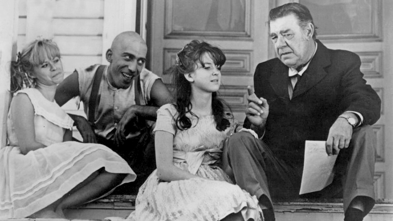 Beverly Washburn, Sid Haig, Jill Banner, Lon Chaney Jr in Spider Baby or, the Maddest Story Ever Told (1968)
