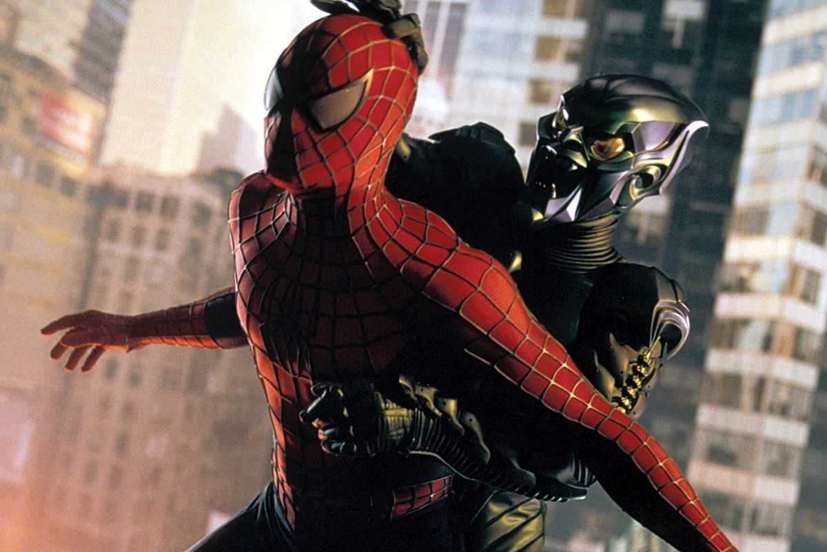 Spider-Man vs The Green Goblin in Spider-Man (2002)
