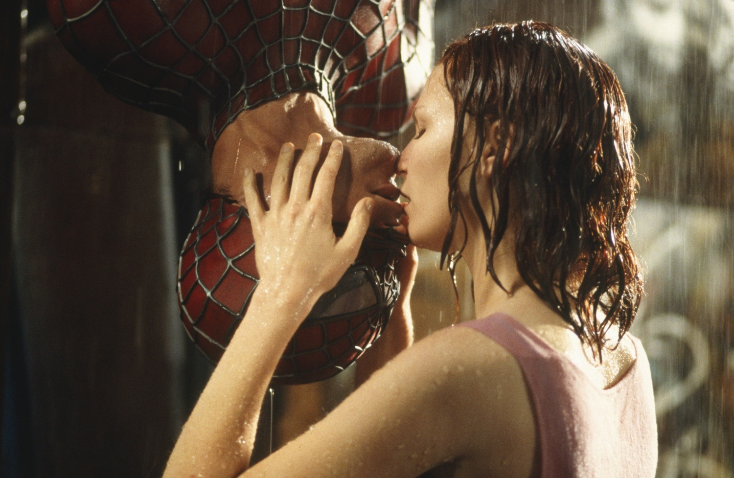 The upside-down kiss - Tobey Maguire and Kirsten Dunst in Spider-Man (2002)