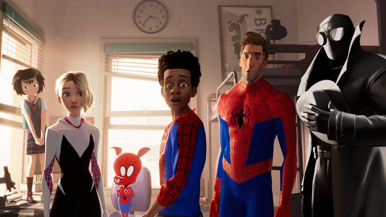Line-up of alternate Spider-Men - Peni Parker as Sp//der, Gwen Stacey/Spider-Woman, Spider-Ham, Miles Morales, Peter B. Parker and Spider-Man Noir in Spider-Man: Into the Spider-Verse (2018)