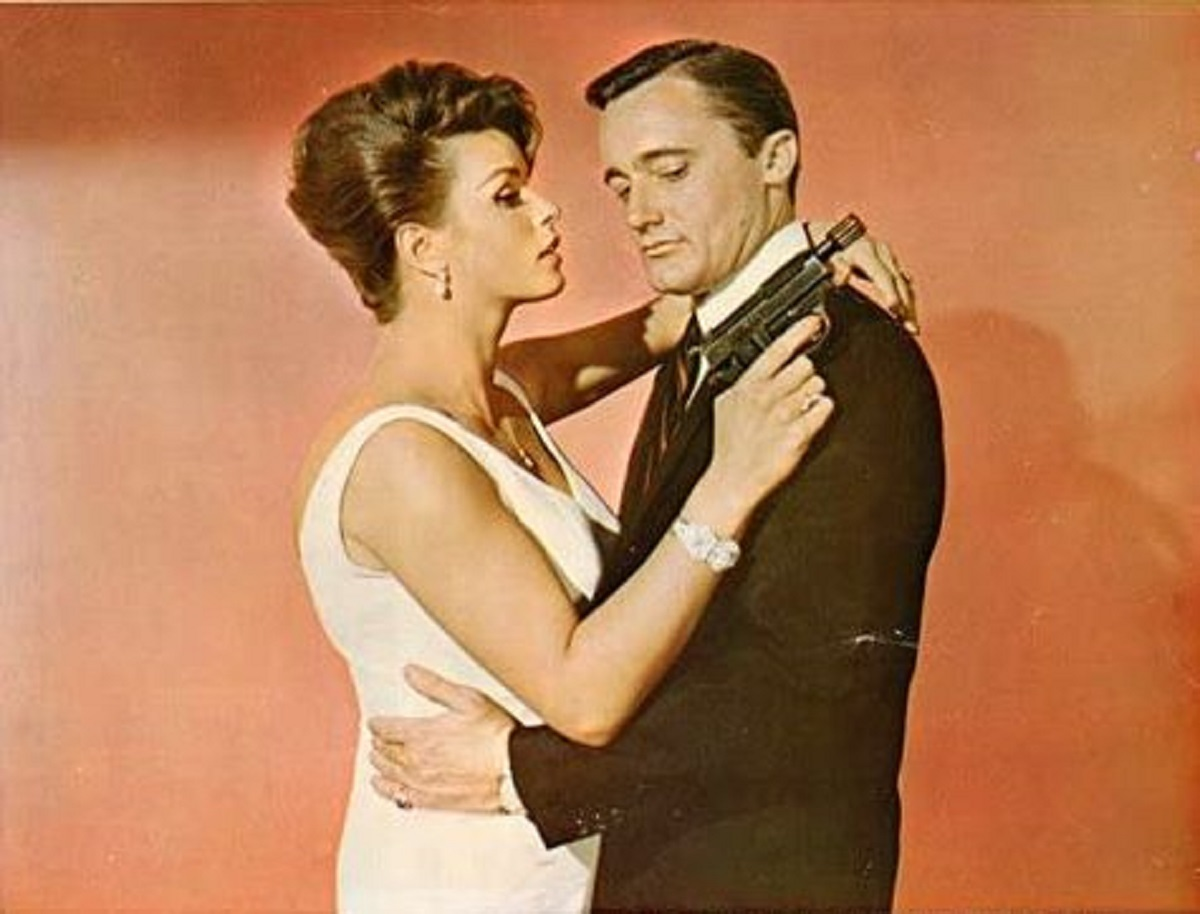 Napoleon Solo (Robert Vaughn) with T.H.R.U.S.H. agent Serena (Senta Berger) in The Spy With My Face (1965)
