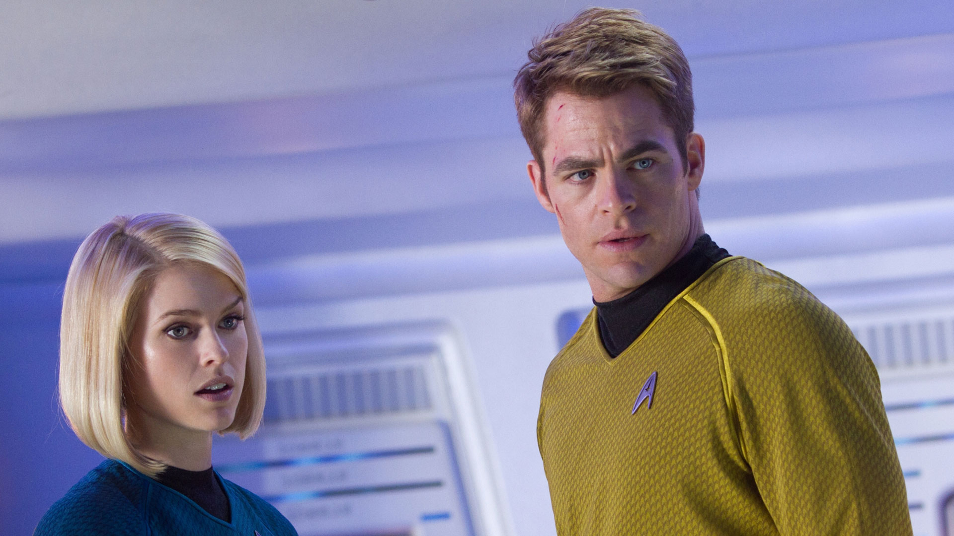Captain Kirk (Chris Pine) and Carol Marcus (Alice Eve) in Star Trek Into Darkness (2013)