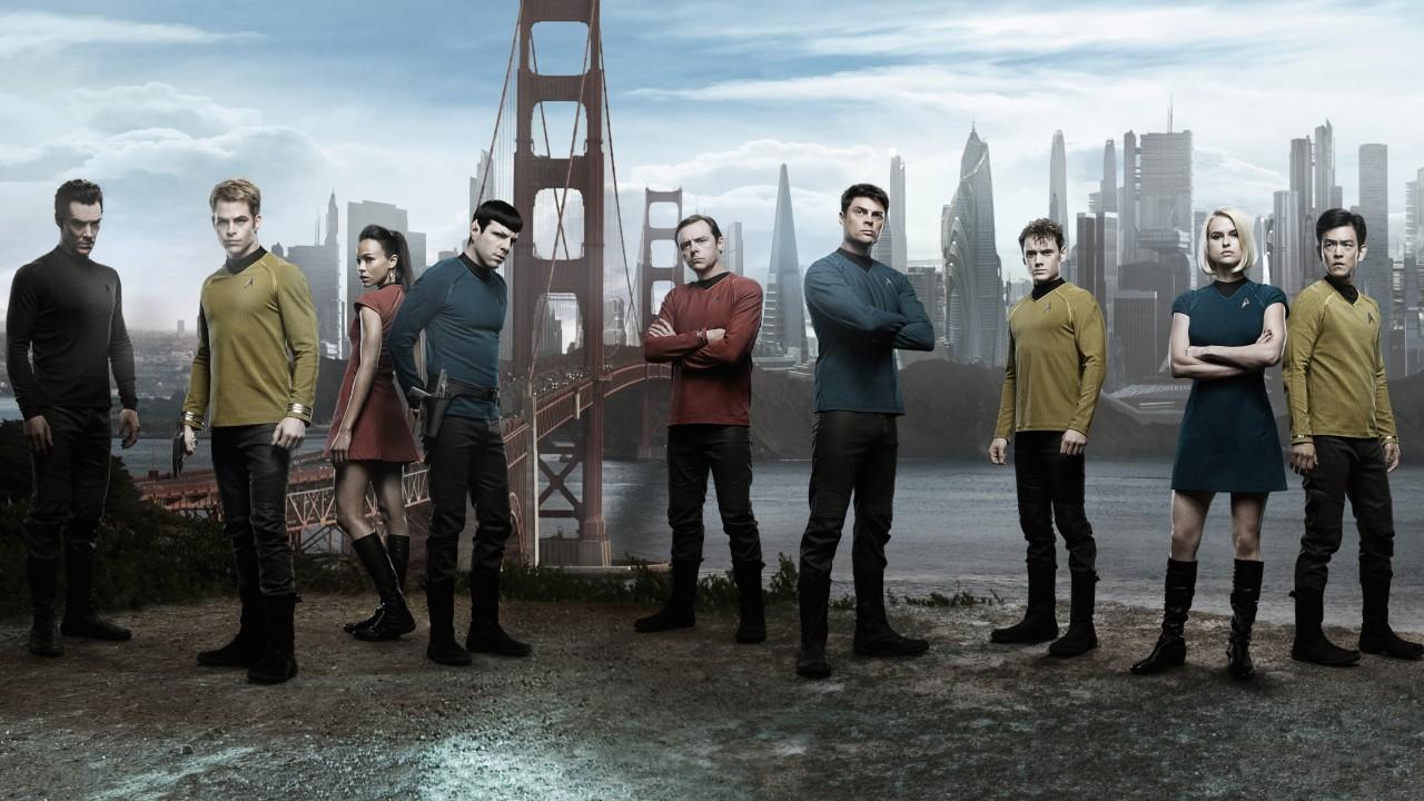 Khan (Benedict Cumberbatch), Captain Kirk (Chris Pine), Uhura (Zoe Saldana), Mr Spock (Zachary Quinto), Mr Scott (Simon Pegg), Dr McCoy (Karl Urban), Chekov (Anton Yelchin), Carol Marcus (Alice Eve) and Sulu (John Cho) in Star Trek Into Darkness (2013)