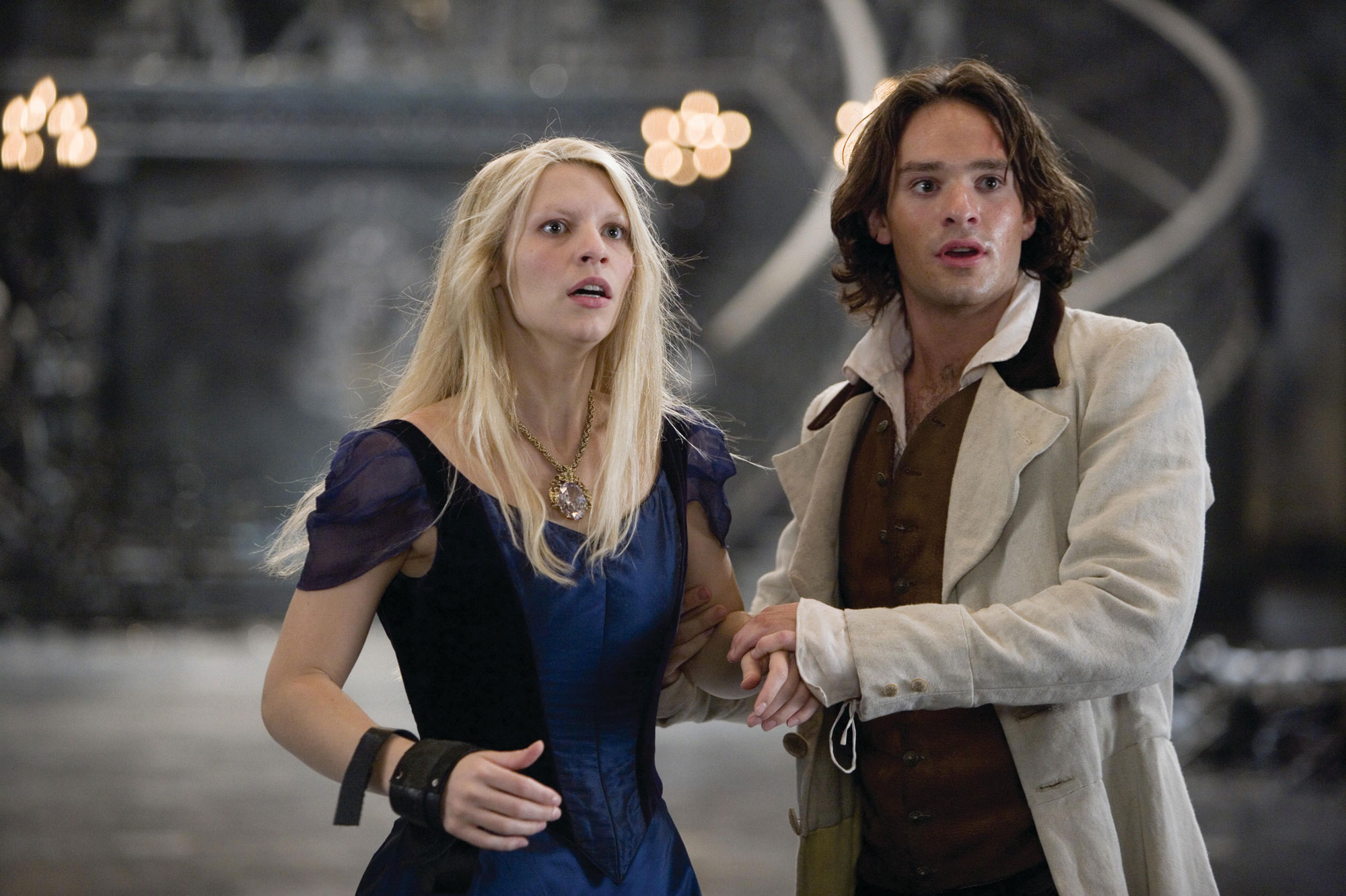 Tristan (Charlie Cox) and Yvaine, the personification of a star (Claire Danes) in Stardust (2007)