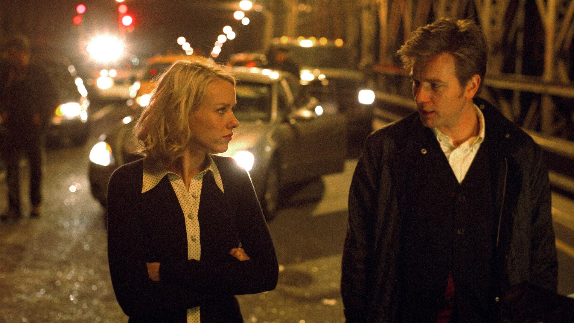 Naomi Watts and Ewan McGregor at the accident scene in Stay (2005)