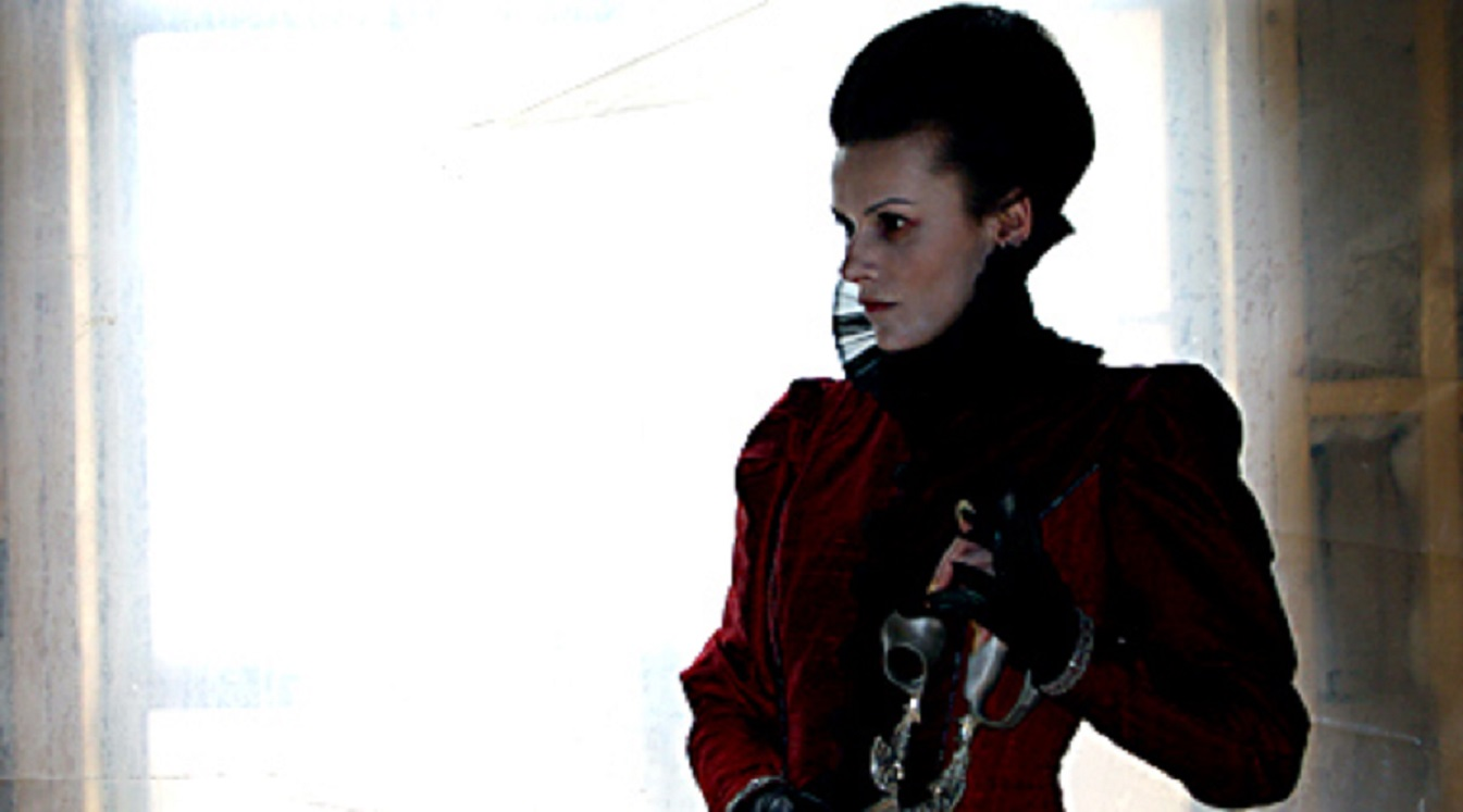Countess Bathory (Maria Kalinina) incarnated inside a videogame in Stay Alive (2006)