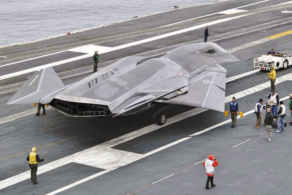 The EDI readies tor takeoff in Stealth (2005)