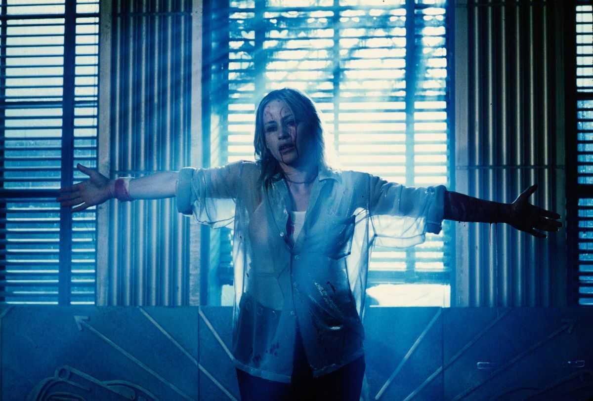 A possessed Patricia Arquette in Stigmata (1999)