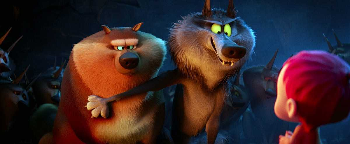 The wolves discover the baby in Storks (2016)
