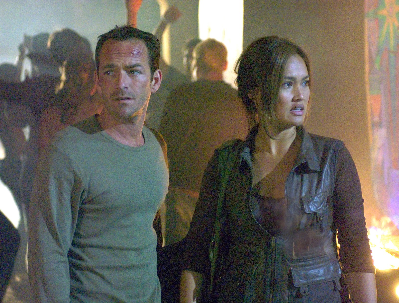 Luke Perry and Tia Carrera face the end of the world in Supernova (2005)