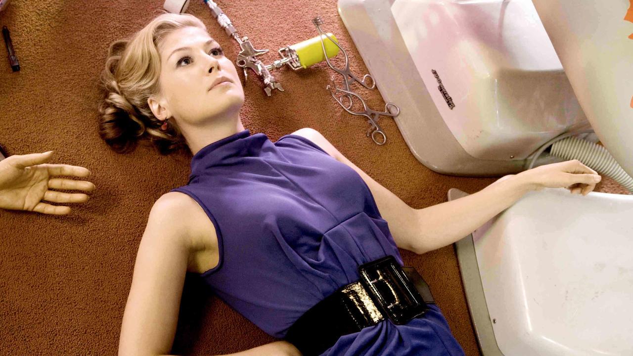The broken surrogate body for Rosamund Pike in Surrogates (2009)
