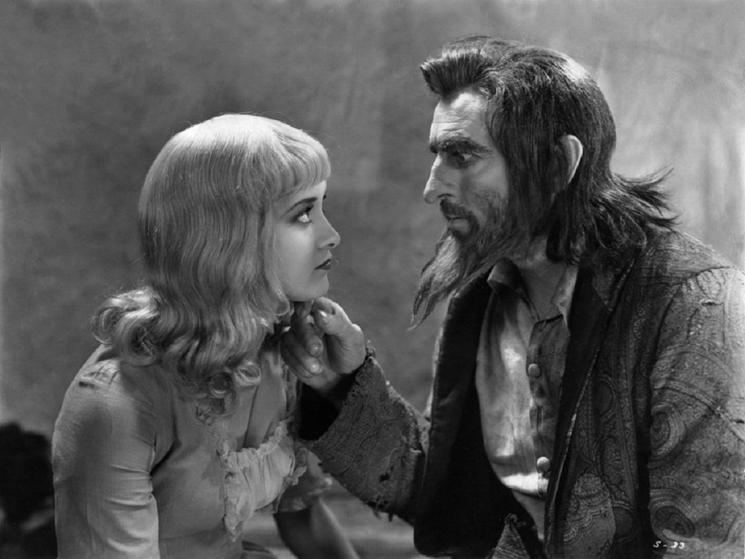 Svengali (John Barrymore) and Trilby (Marian Marsh)
