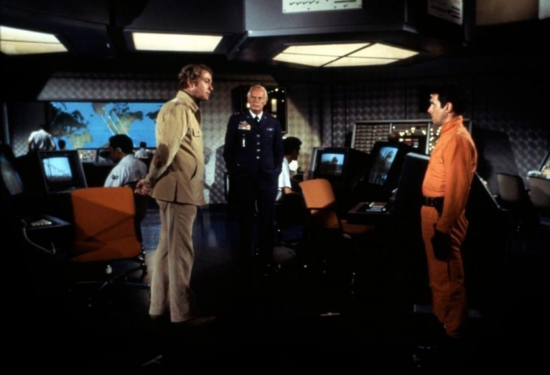 Michael Caine, Richard Widmark, Bradford Dillman in The Swarm (1978)