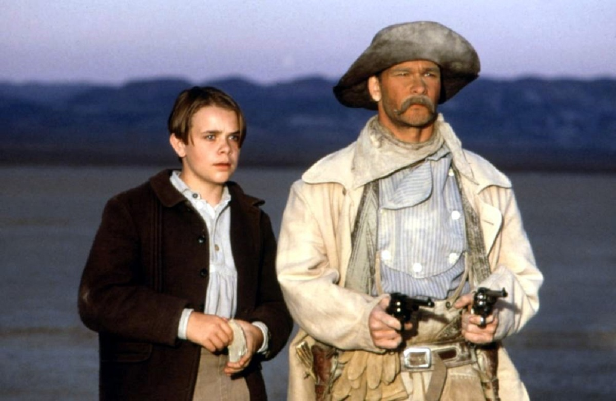 (l to r) Nick Stahl with Pecos Bill (Patrick Swayze) in Tall Tale (1995)