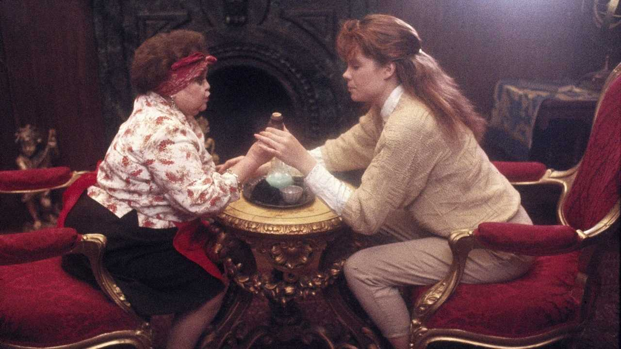 Zelda Rubinstein and Robyn Lively in Teen Witch (1989)