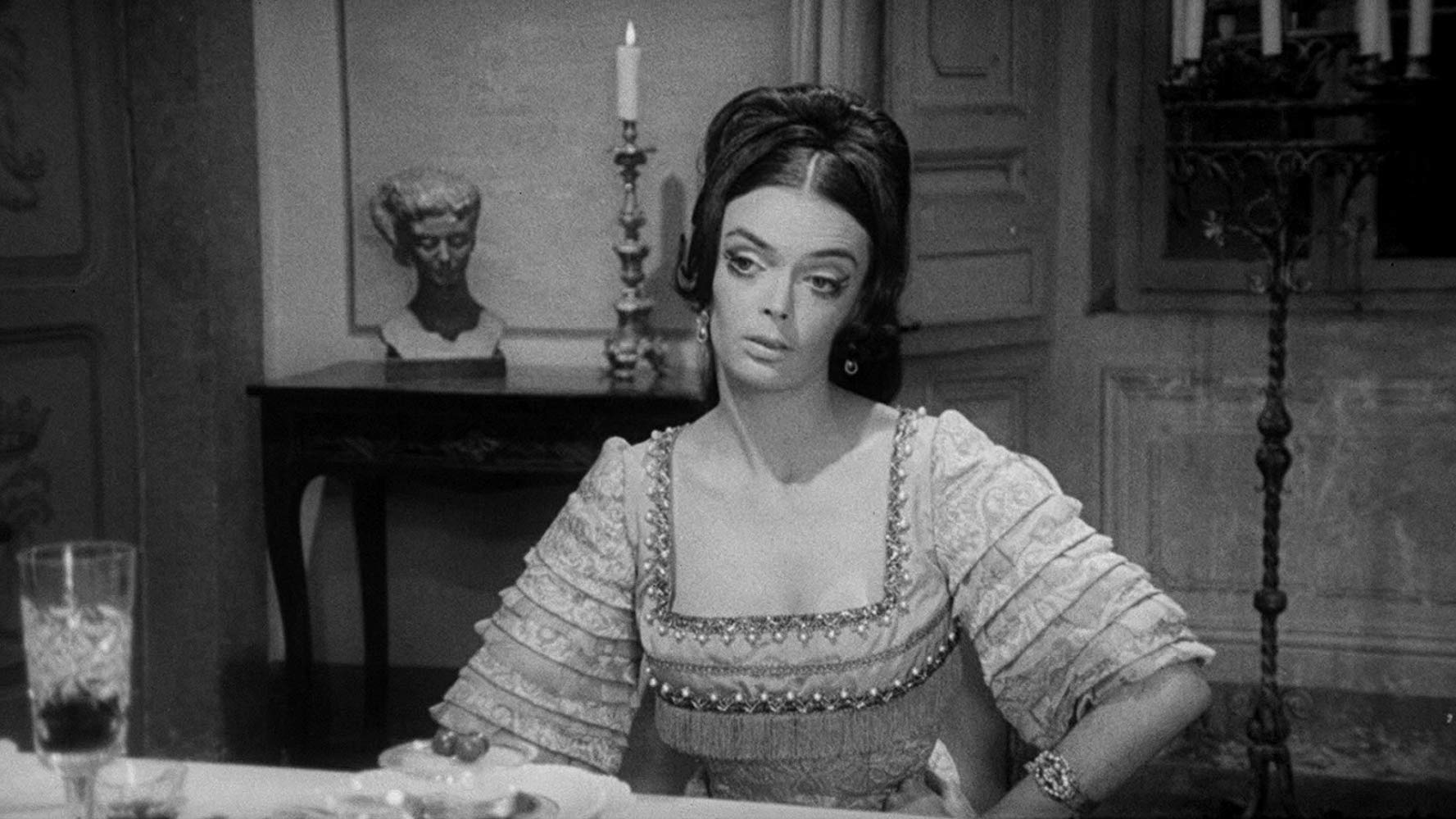 Barbara Steele in Terror-Creatures from the Grave (1965)