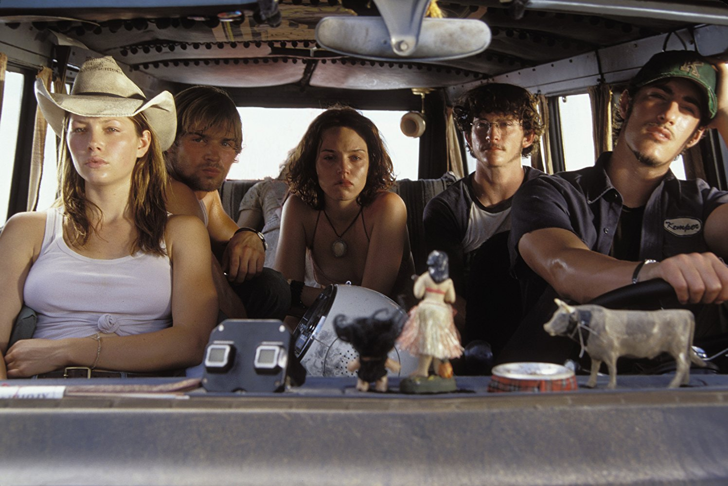 New group of a journey through the Texas backwoods - (l to r) Jessica Biel, Mike Vogel, Erica Leerhsen, Jonathan Tucker, Eric Balfour in The Texas Chainsaw Massacre (2003)