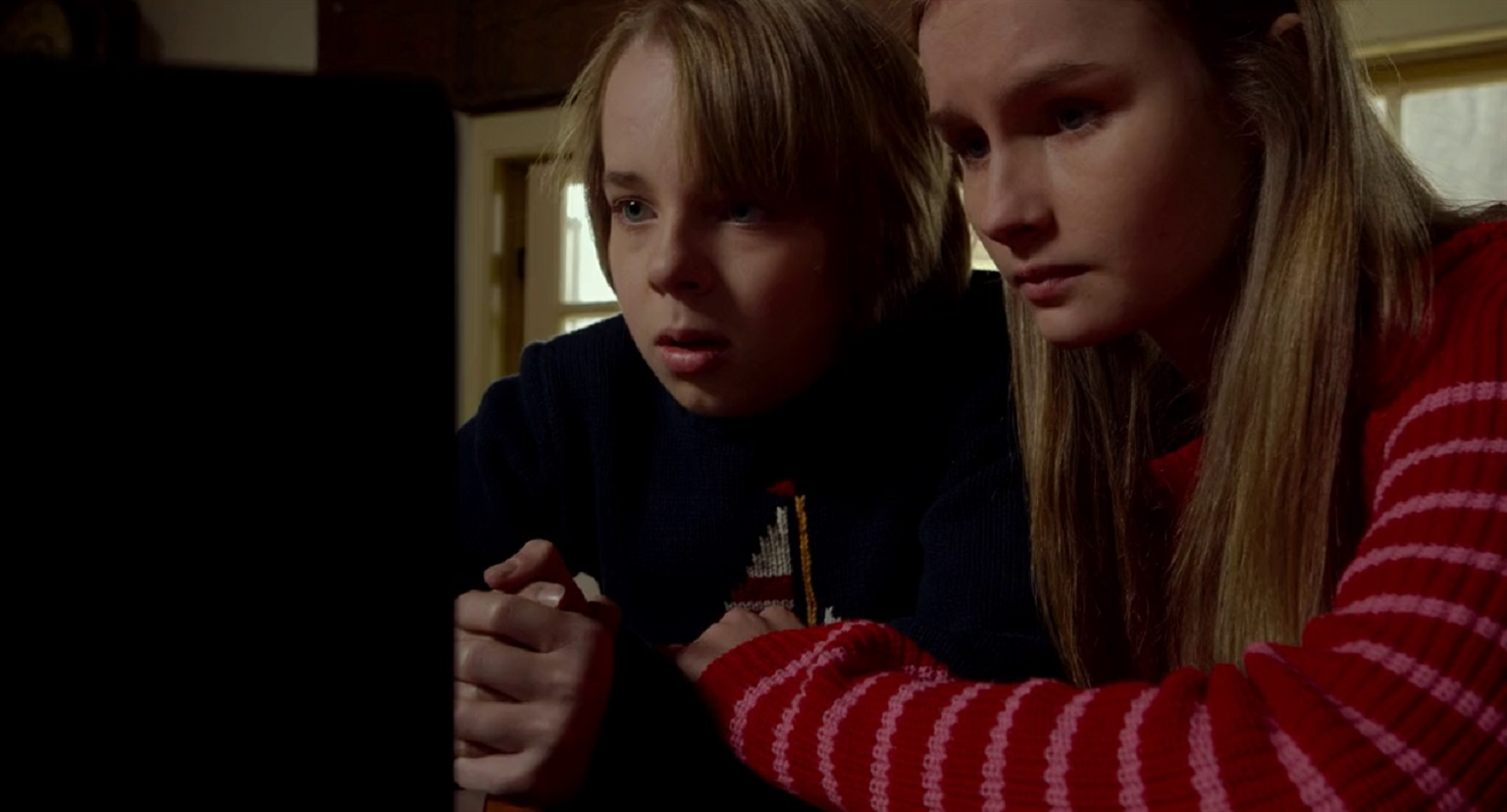 Ed Oxenbould and Olivia DeJonge in The Visit (2015)
