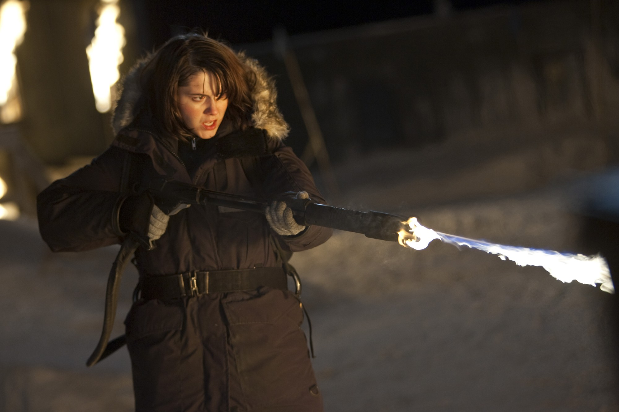 Mary Elizabeth Winstead wields flamethrower in The Thing (2011)