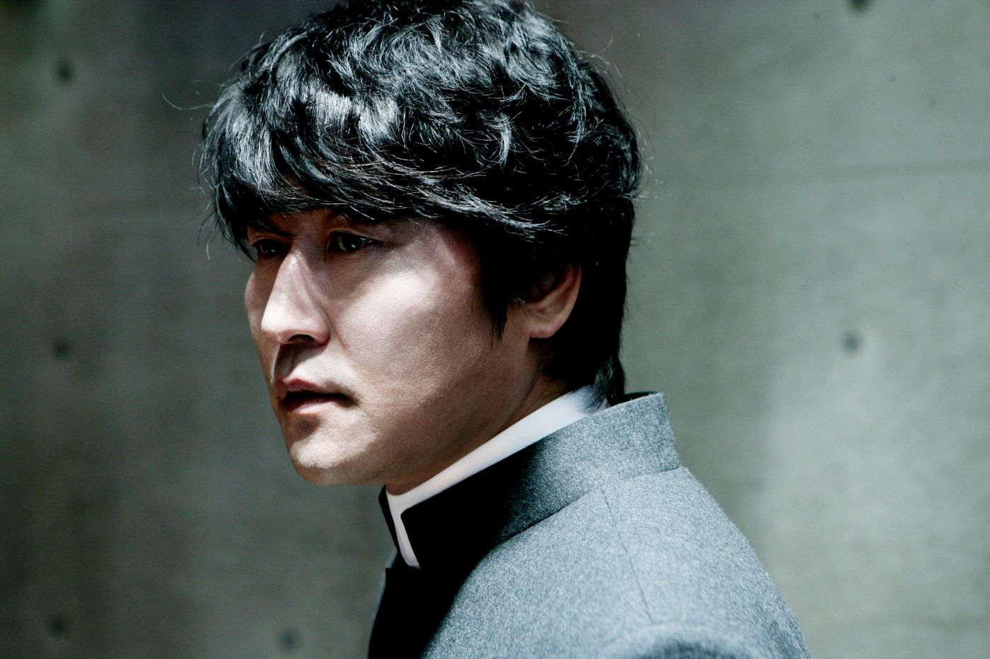 Song Kang-ho as the vampire priest Father Sang-Hyun in Thirst (2009)