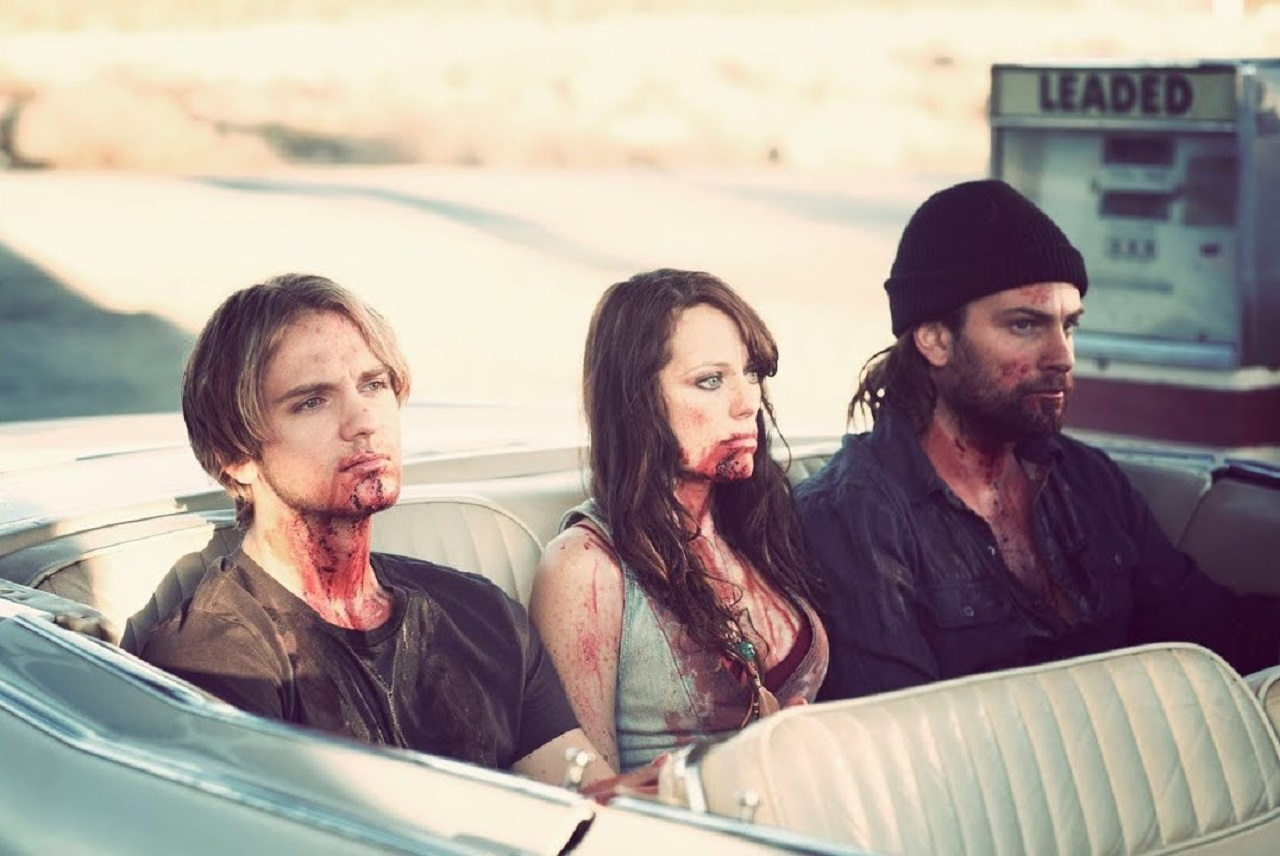 Vampire family - David (Samuel Child), Darlene (Mackenzie Firgens) and Wendell (Joseph McKelheer) in The Thompsons (2012)