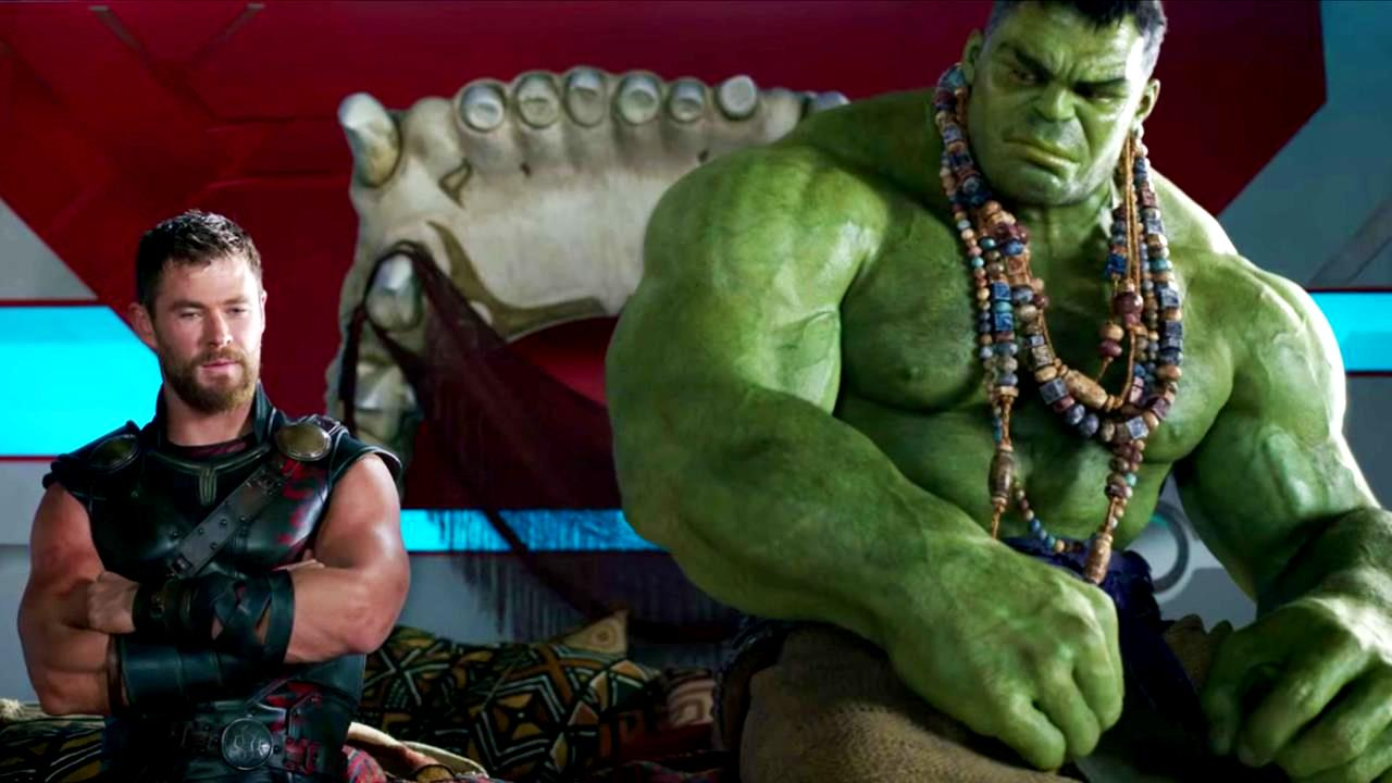 Thor (Chris Hemsworth) and The Hulk (Mark Ruffalo) in Thor Ragnarok (2017)