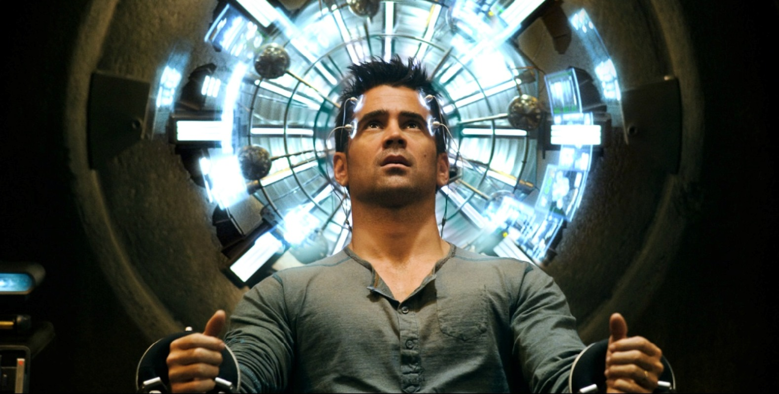 Doug Quaid (Colin Farrell) undergoes synthetic memory implants at Rekall Inc in Total Recall (2012)