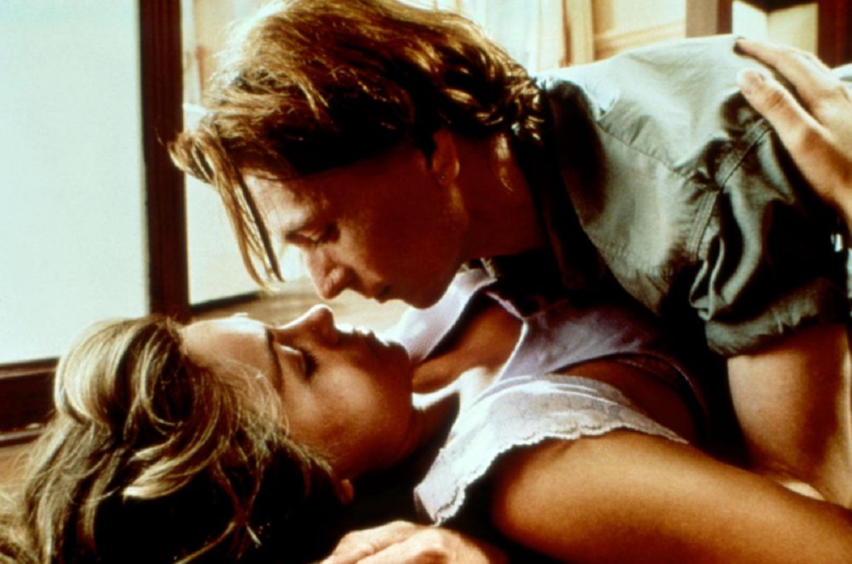 Housewife Theresa Russell drawn into an embrace with Gary Oldman who claims to be her long lost son in Track 29 (1988)