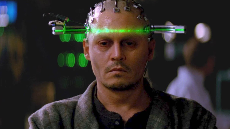 Johnny Depp has his mind scanned for upload in Transcendence (2014)