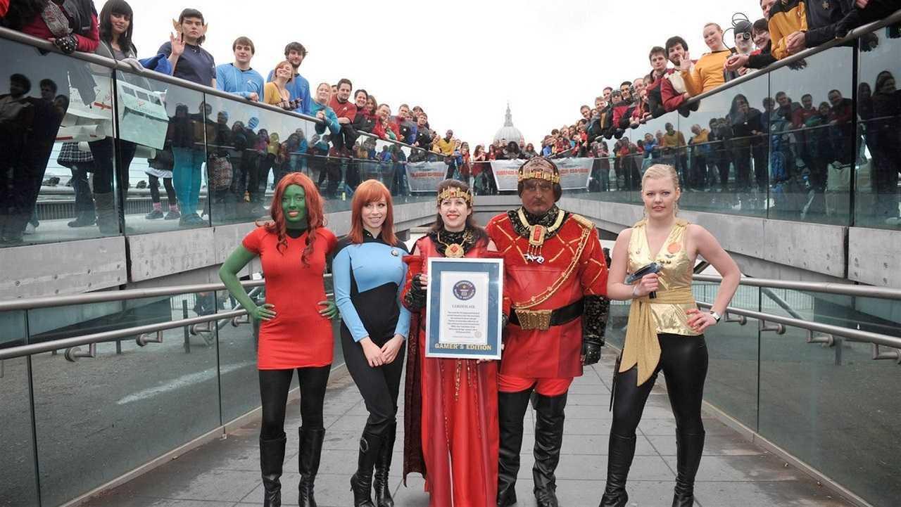 International Star Trek fans in Trekkies 2 (2004)