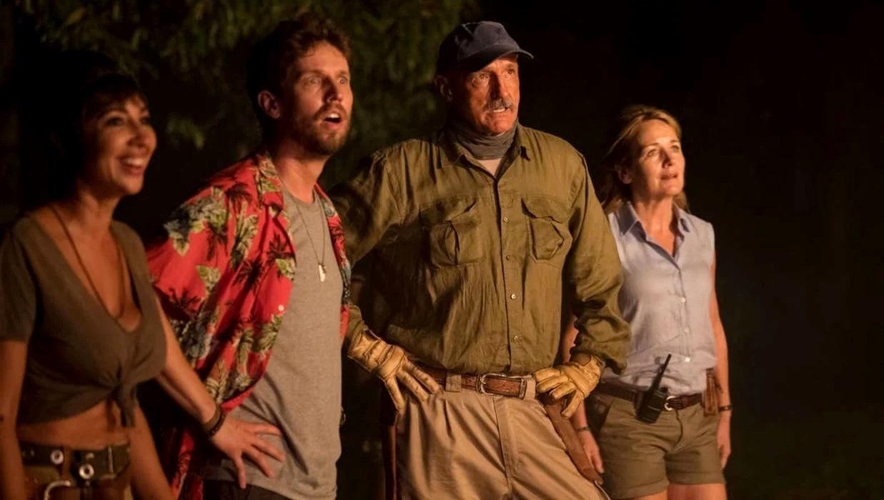 Jackie Cruz, Jon Heder, Michael Gross and Caroline Langrishe in Tremors: Shrieker Island (2020)