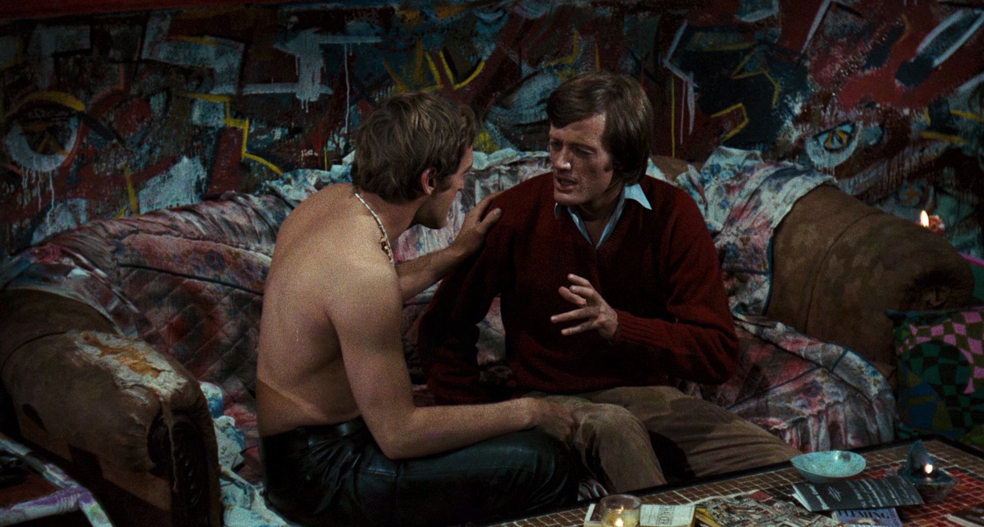 (l to r) Dennis Hopper and Peter Fonda take LSD in The Trip (1967)
