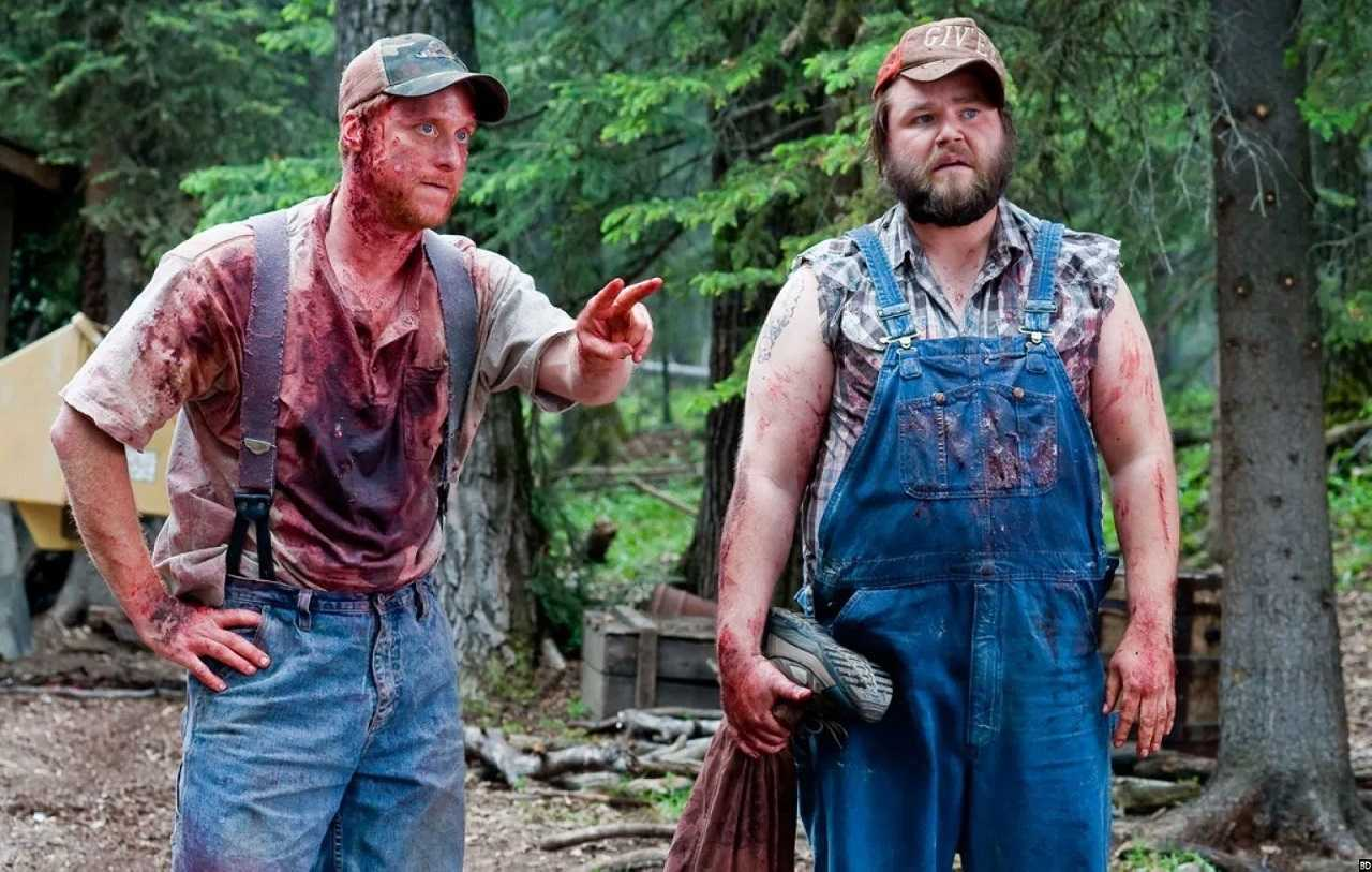 Tucker (Alan Tudyk) and Dale (Tyler Labine) in Tucker and Dale vs Evil (2010)