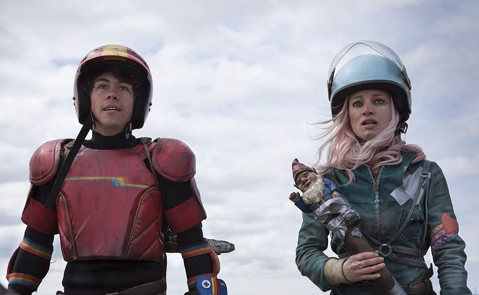 The Kid (Munro Chambers) and Apple (Laurence Leboeuf) in Turbo Kid (2015)