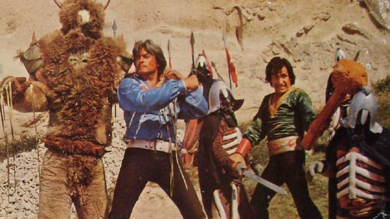 Murat (Cuneyt Arkin) and Ali (Aytekin Akkaya) in The Turkish Star Wars (1982)