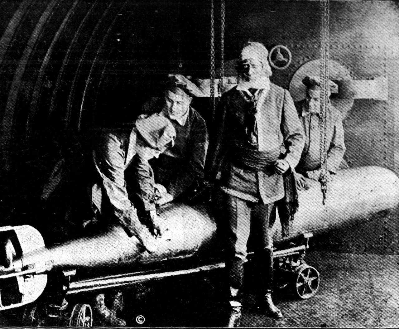 Captain Nemo (Allan Holubar) in Twenty Thousand Leagues Under the Sea (1916)