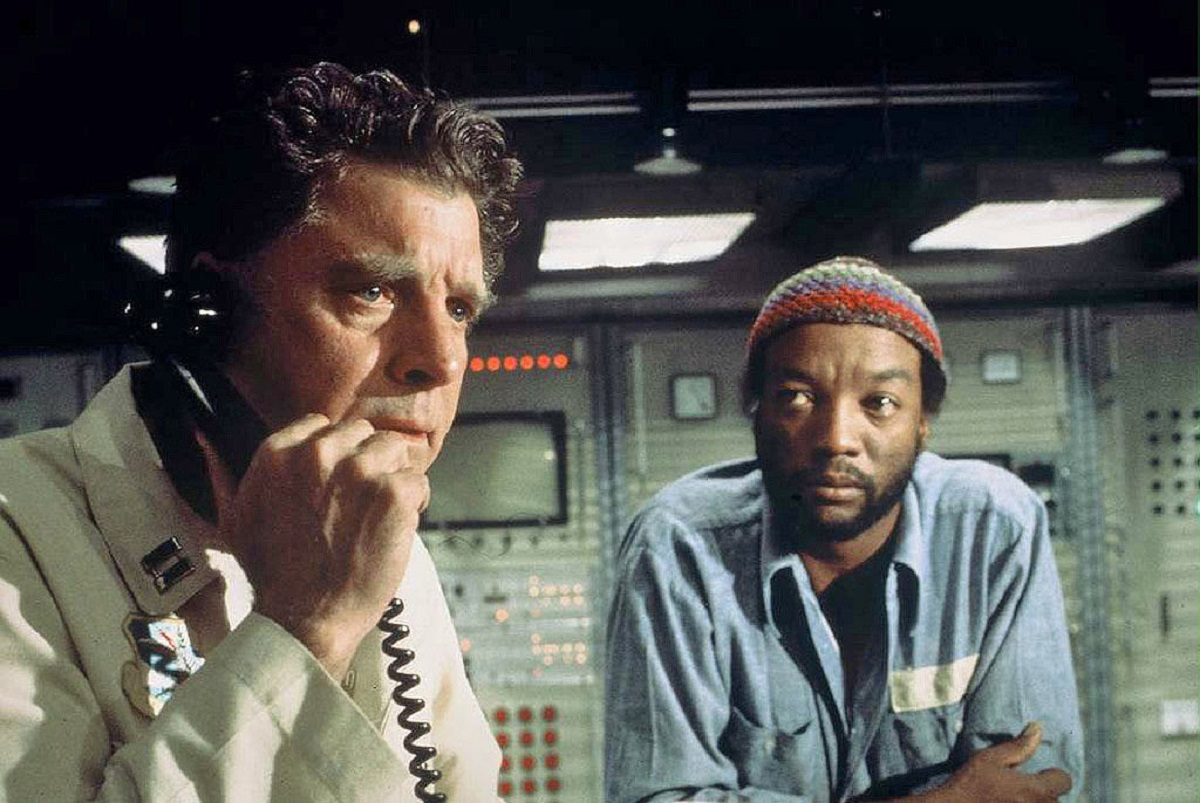 (l to r) Rogue general Burt Lancaster and Paul Winfield hijack a nuclear missile silo in Twilight's Last Gleaming (1977)