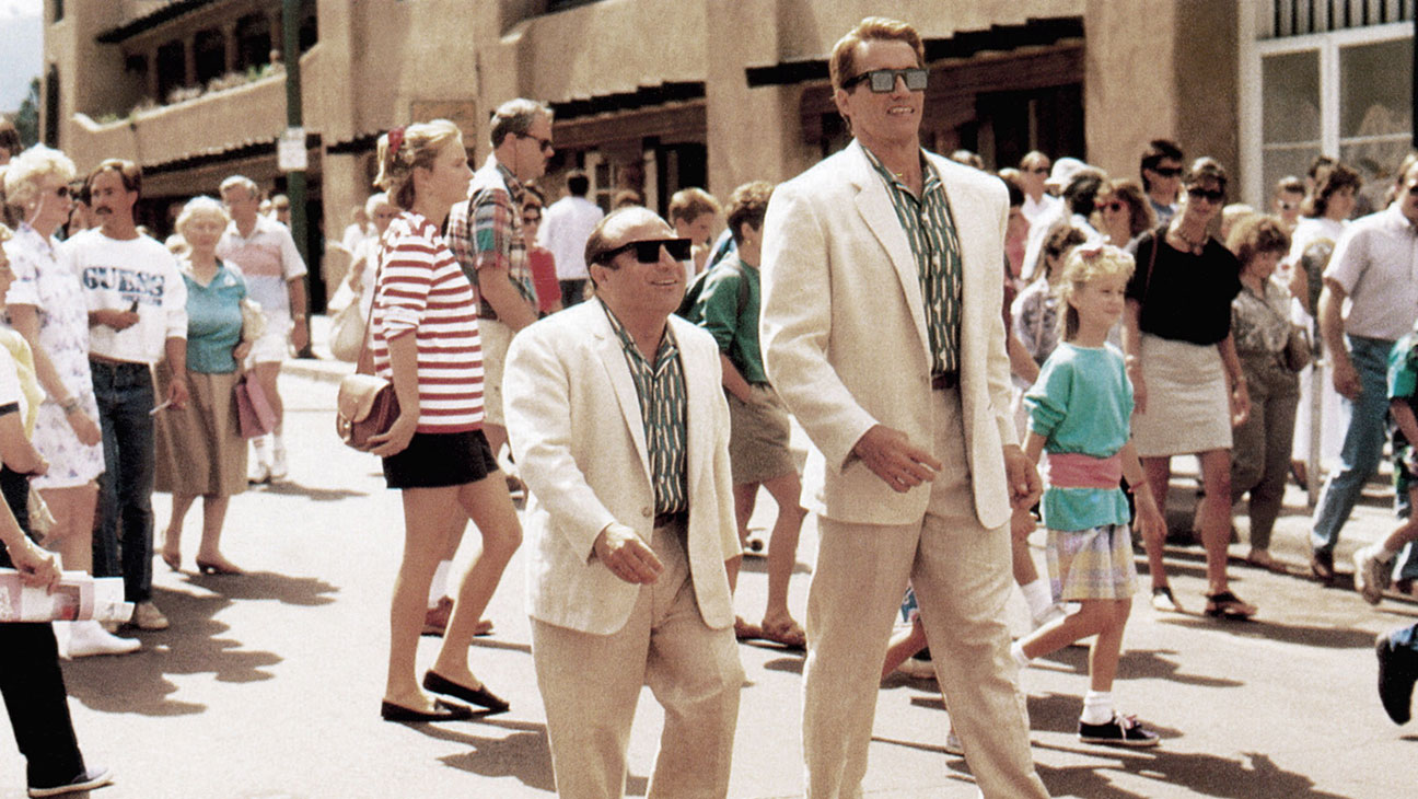 Mismatched clone twins - (l to r) Danny DeVito and Arnold Schwarzenegger in Twins (1988)