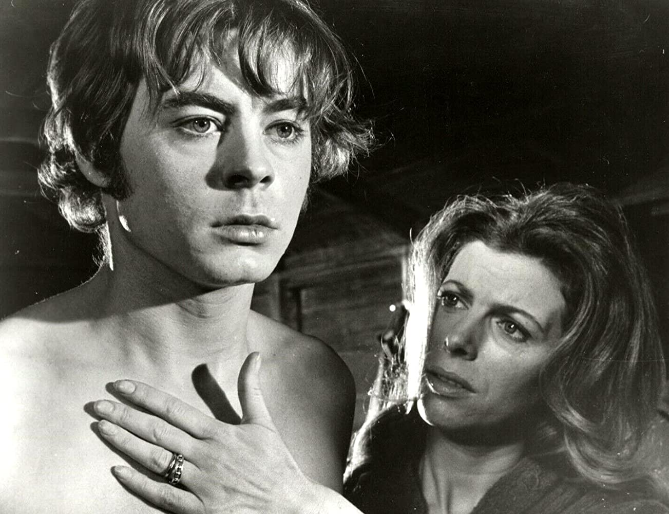 Martin Durnley (Hywel Bennett) with Billie Whitelaw in Twisted Nerve (1968)