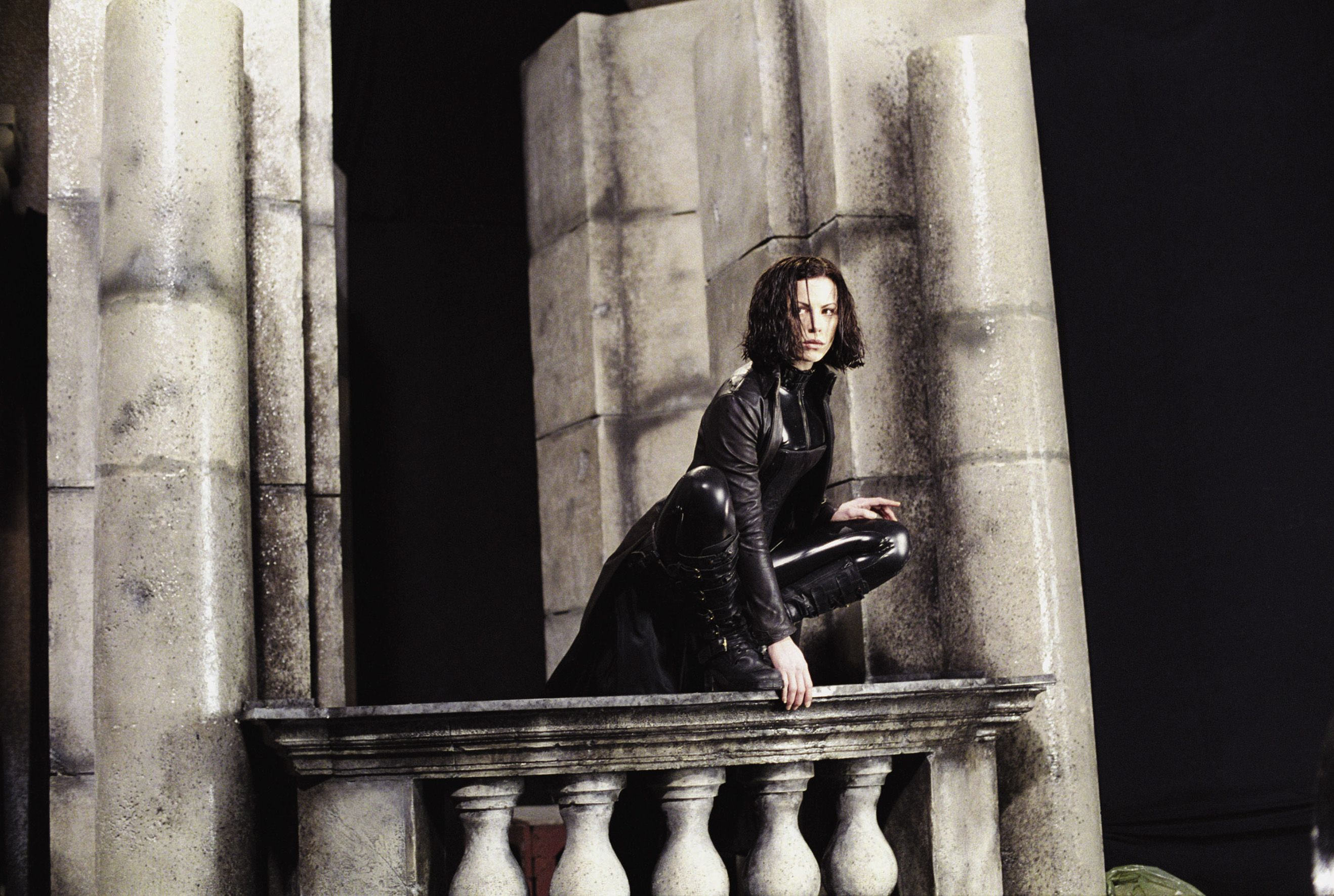 Kate Besckinsale as Selene in Underworld (2003) - a vampire film mounted as a series of slick graphic novel poses