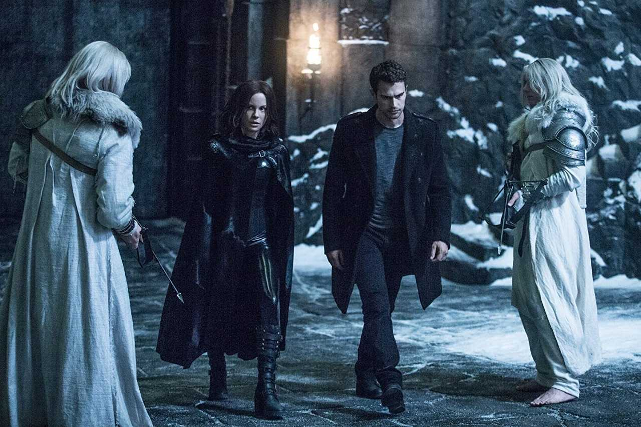 Selene (Kate Beckinsale) and David (Theo James) in Underworld: Blood Wars (2016)