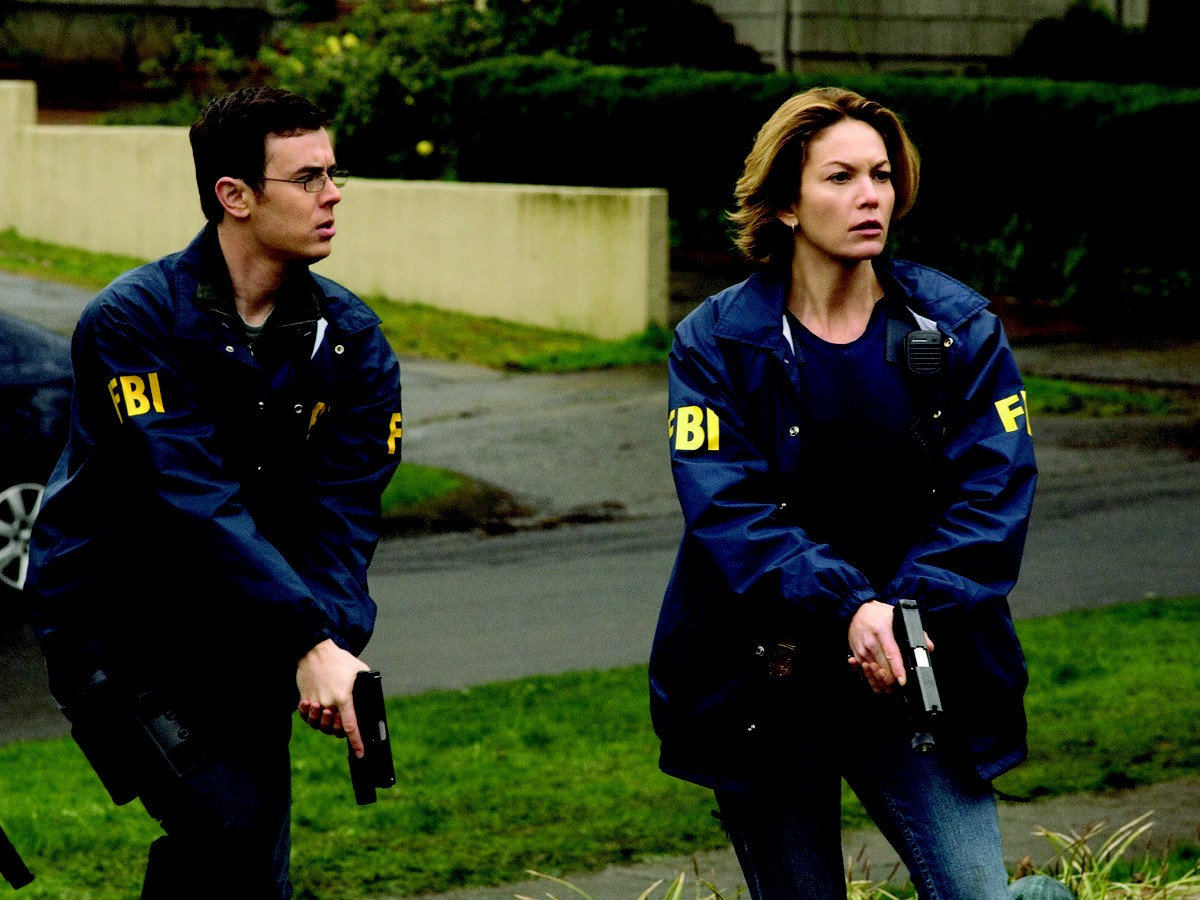 FBI agents Colin Hanks and Diane Lane on a bust in Untraceable (2008)