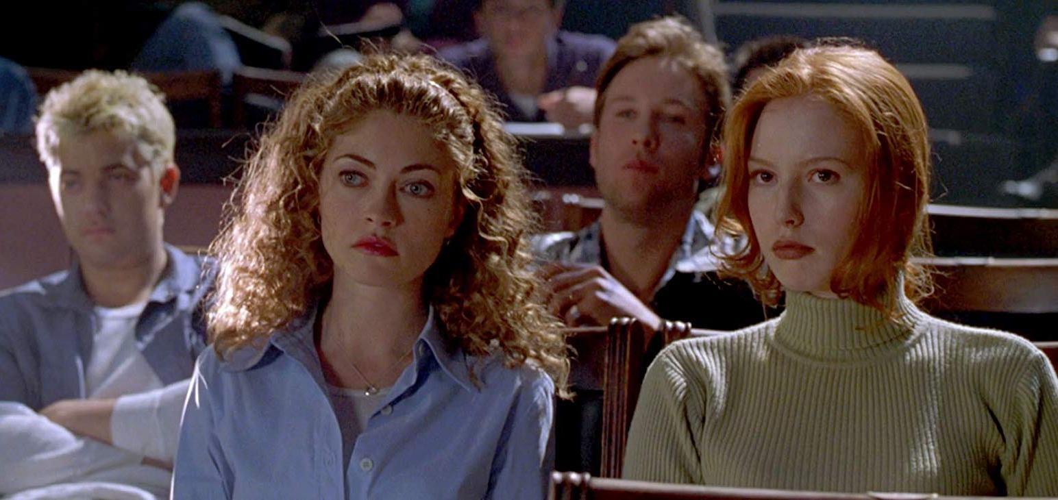 Rebecca Gayheart, Alicia Witt, Joshua Jackson, Michael Rosenbaum in Urban Legend (1998)