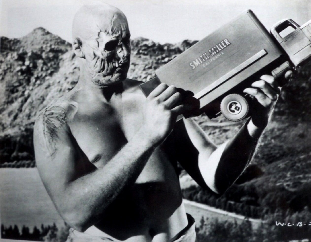 Dean Parkin as Colonel Glen Manning in War of the Colossal Beast (1958)