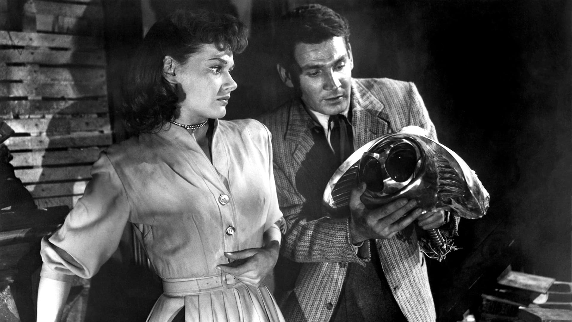 Ann Robinson and Gene Barry in War of the Worlds (1953)