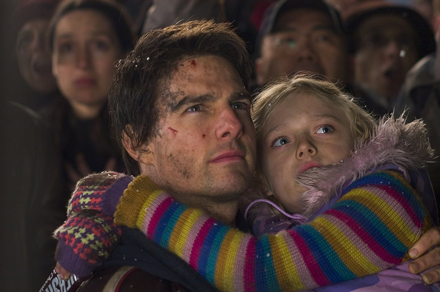 Tom Cruise and daughter Dakota Fanning in War of the Worlds (2005)