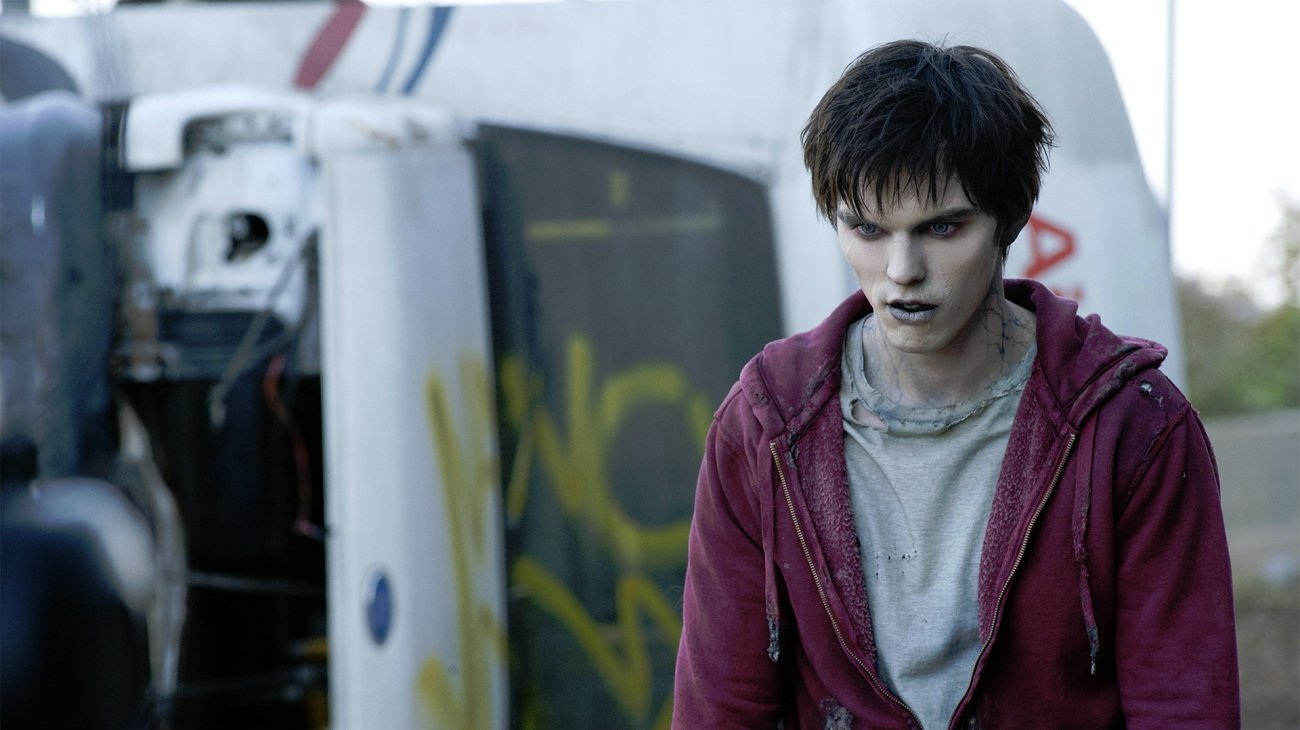 Nicholas Hoult as the zombie R in Warm Bodies (2013)