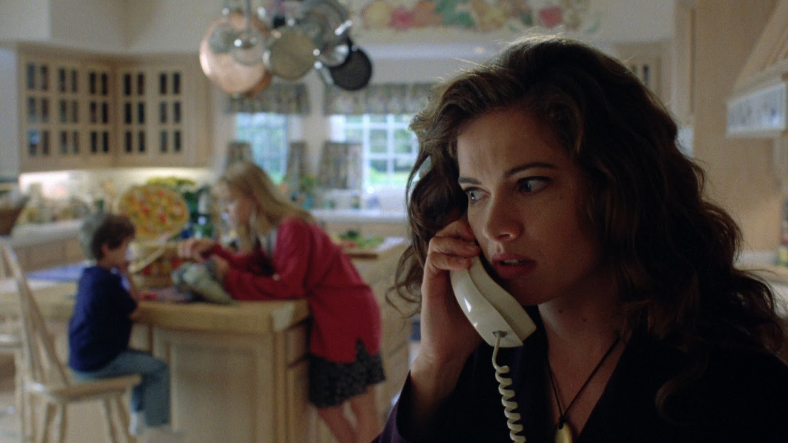 Heather Langenkamp (playing herself) fearful for her son in Wes Craven's New Nightmare (1994)